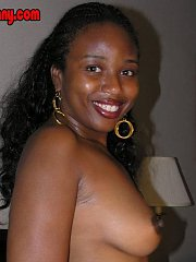 Ebony Latina Summer in her first photo sets ever